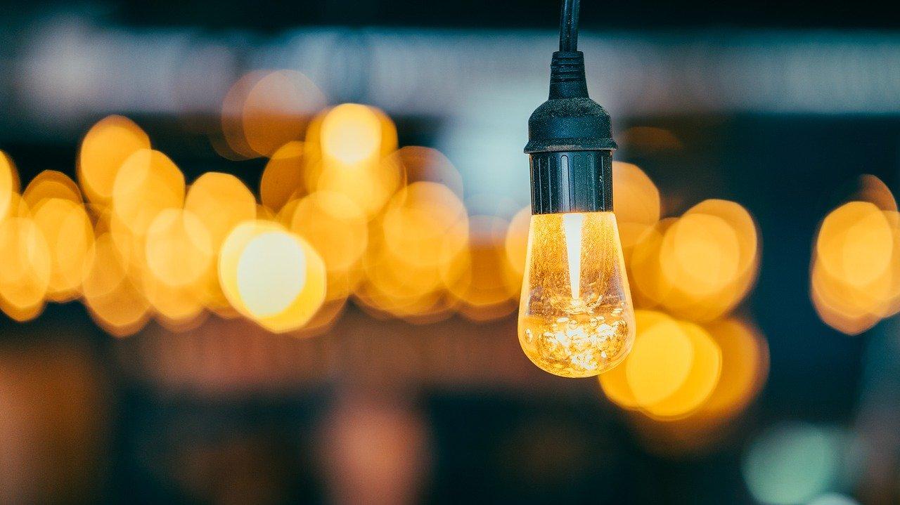 Jak zaprojektować oświetlenie w domu?