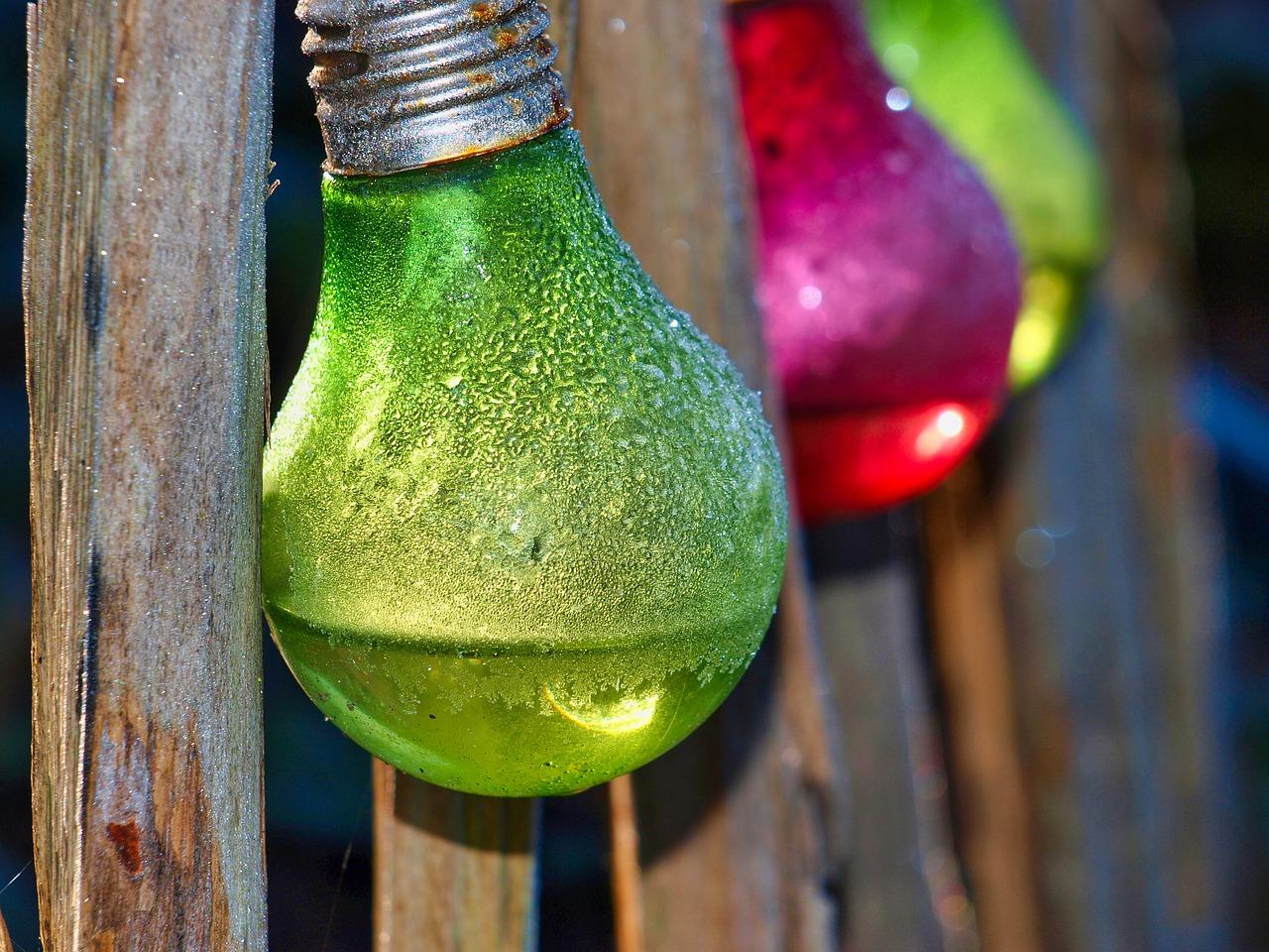 Oświetlenie w ogrodzie czyli jak zrobić lampy ogrodowe?