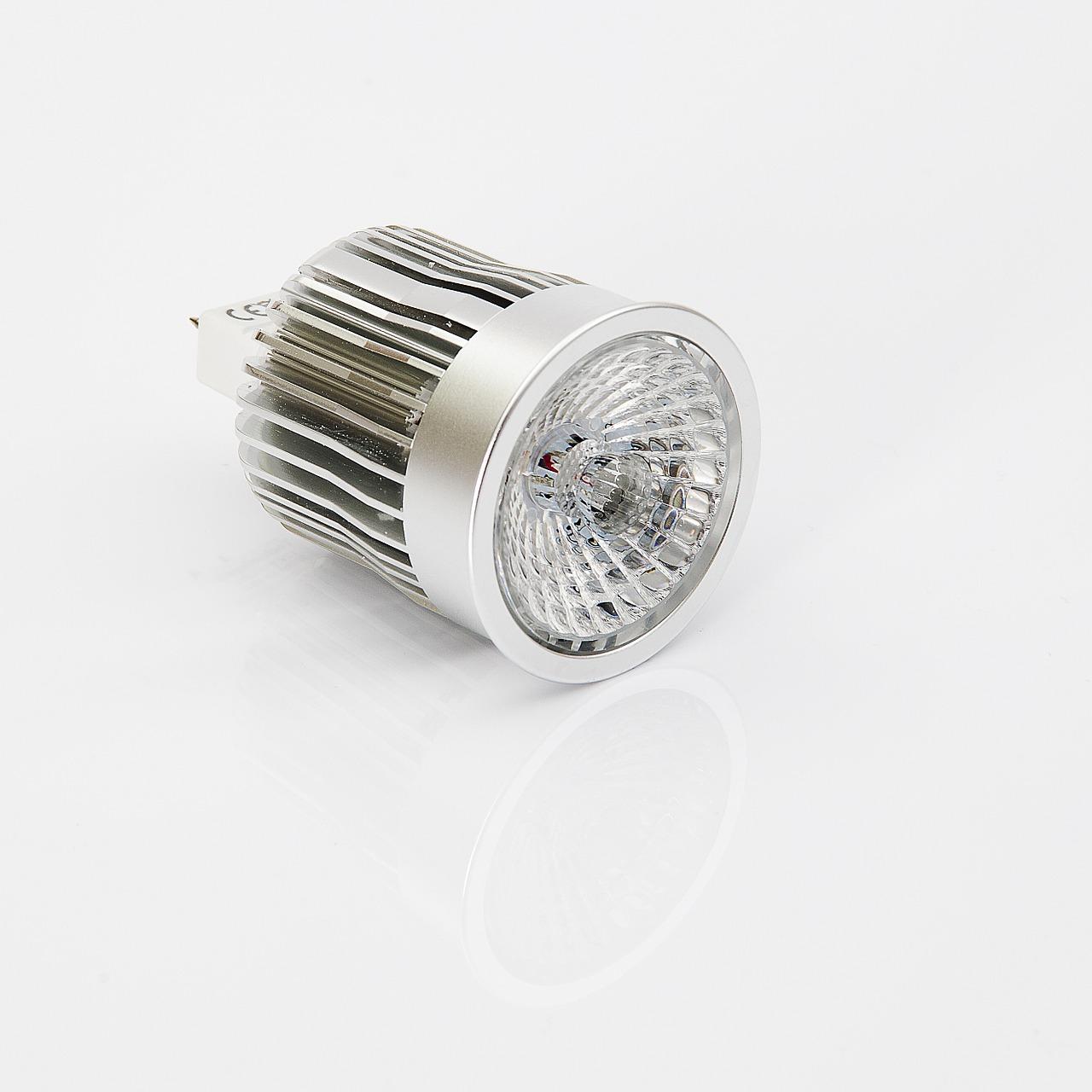 Sposoby łączenia żarówek ledowych – Jak podłączyć żarówki LED szeregowo czy równolegle?