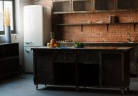 Kuchnia w stylu loftowym – jak dobrać sprzęt AGD?